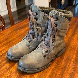 ROXY combat boots.